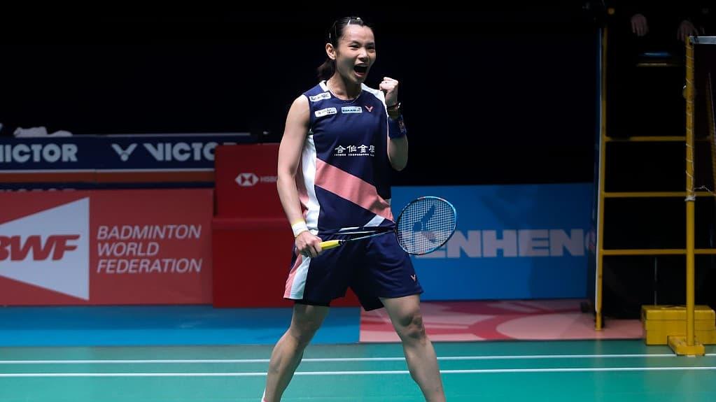Tai Tzu-ying playing badminton